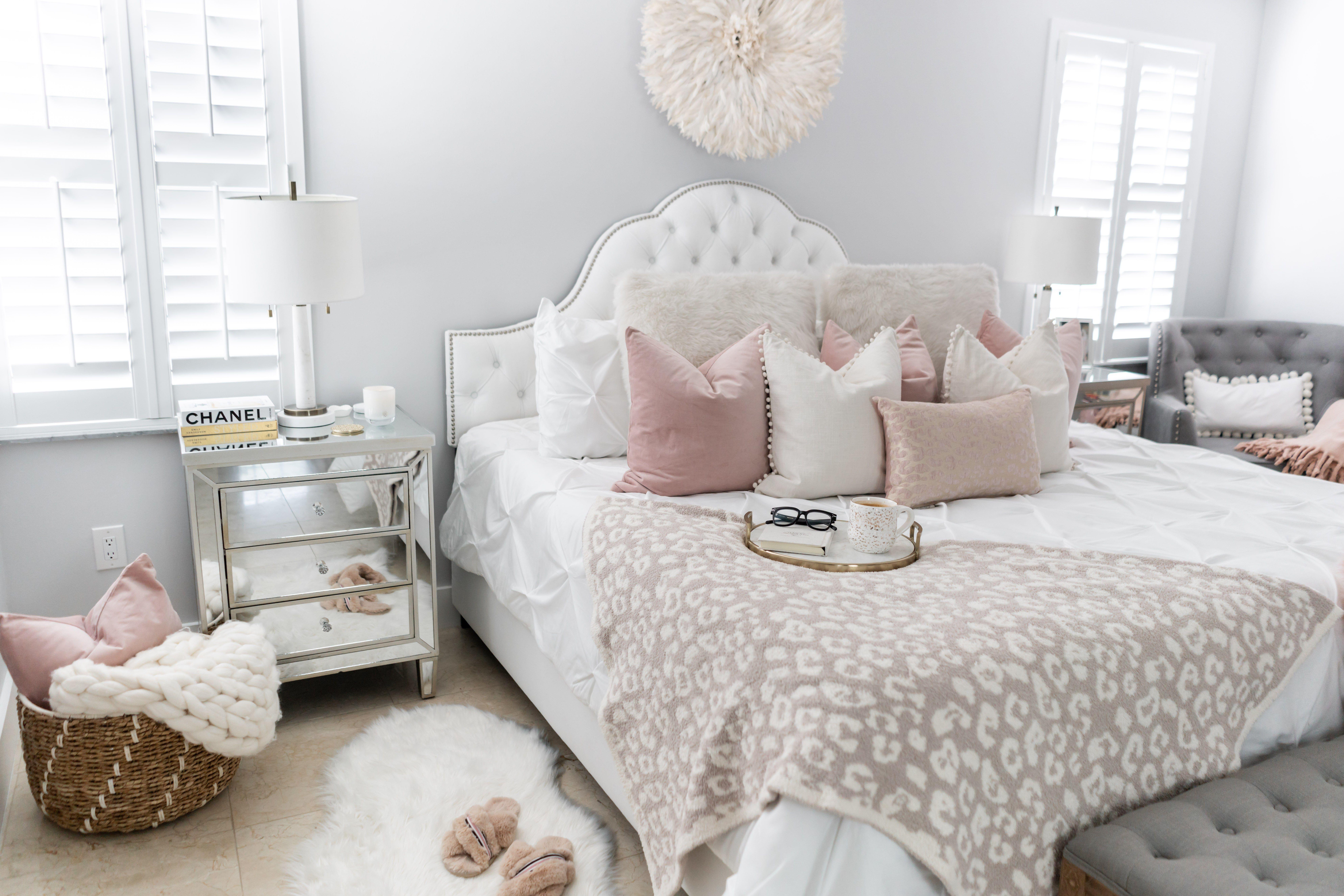 How To Make Your Bedroom Cozy Fancy bedroom, Small