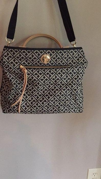 06a4dc49ff12 Tommy Hilfiger crossbody purse - vinted.com | Favorite Brands ...