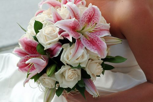 White Rose And Stargazer Lily Bouquet Stargazer Lily Bridal