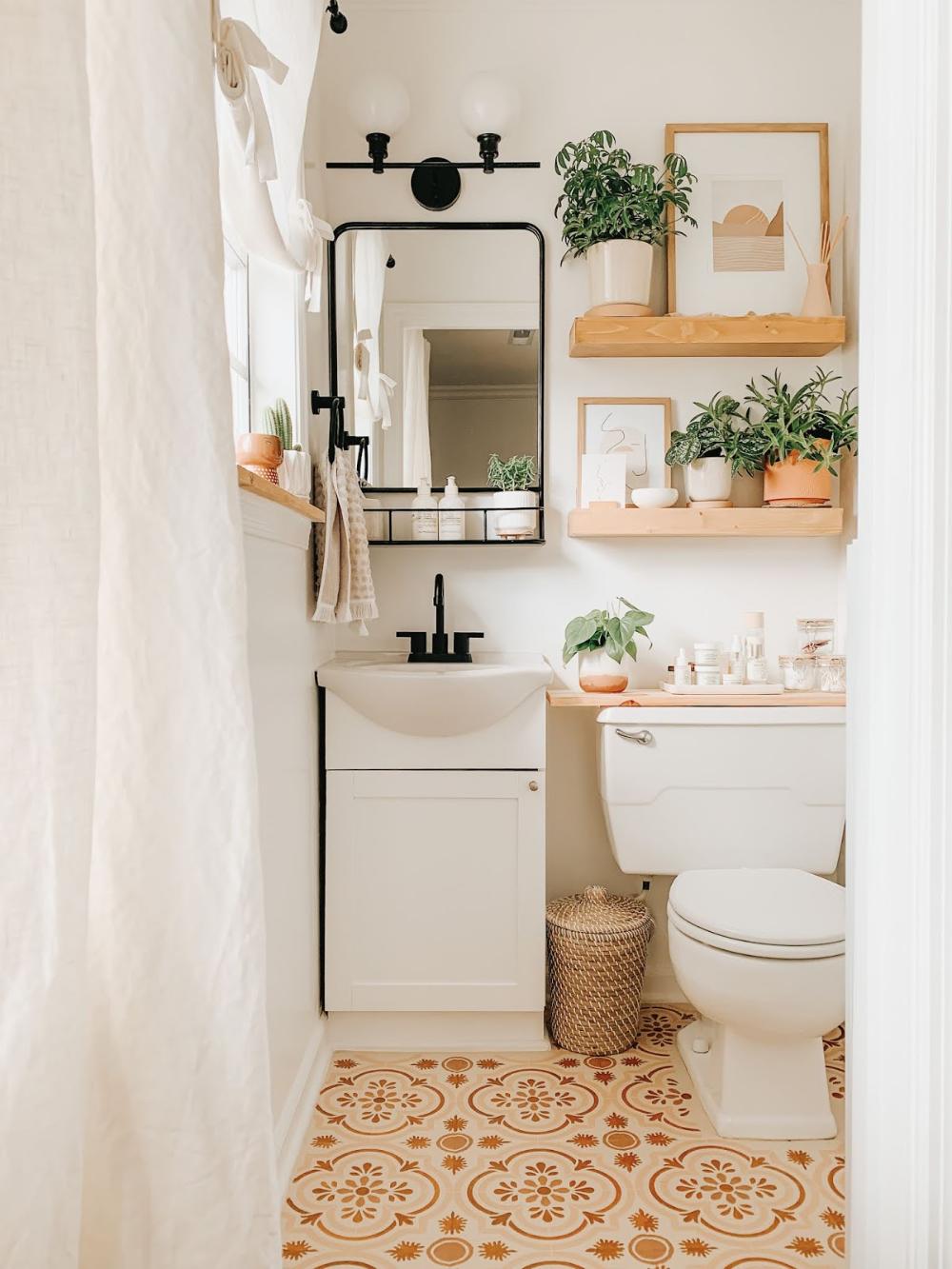 Thistle Harvest Stenciling My Bathroom Floor In 2020 Home Tiny Bathrooms Home Decor