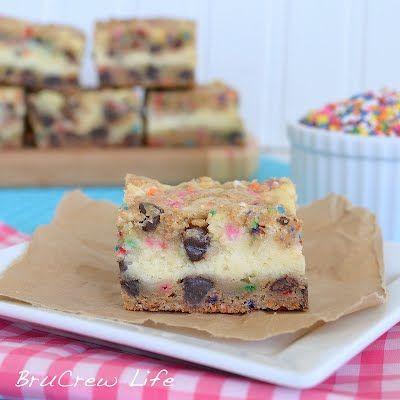 Key lime cheesecake cookie bars