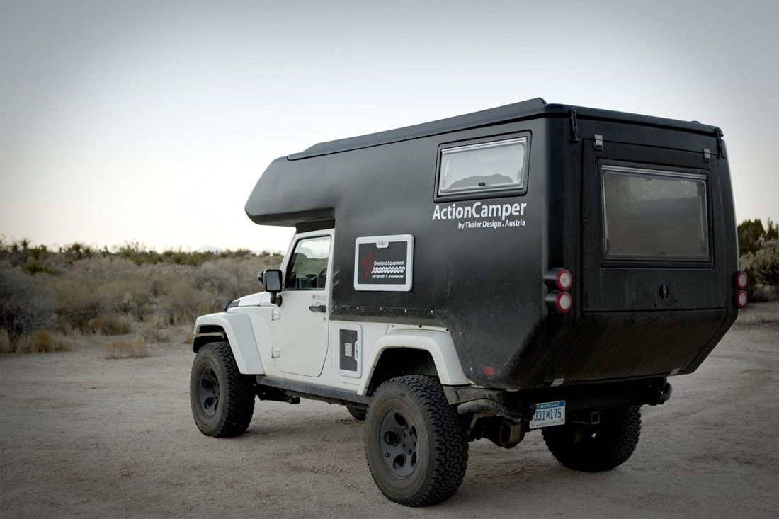 the jeep actioncamper les camping cars tout terrain fourr e et fourre tout. Black Bedroom Furniture Sets. Home Design Ideas