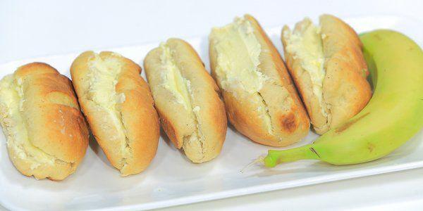 Cbc Sofra طريقة عمل خبز بالموز و كريمة الزبدة نجلاء الشرشابي Recipe Hot Dog Buns Food Sandwiches