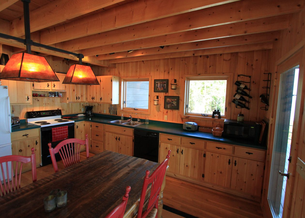 A Perfect Northwoods Kitchen At Shadowrock Lodge And Look At That Kitchen Table House Rental Log Homes Home