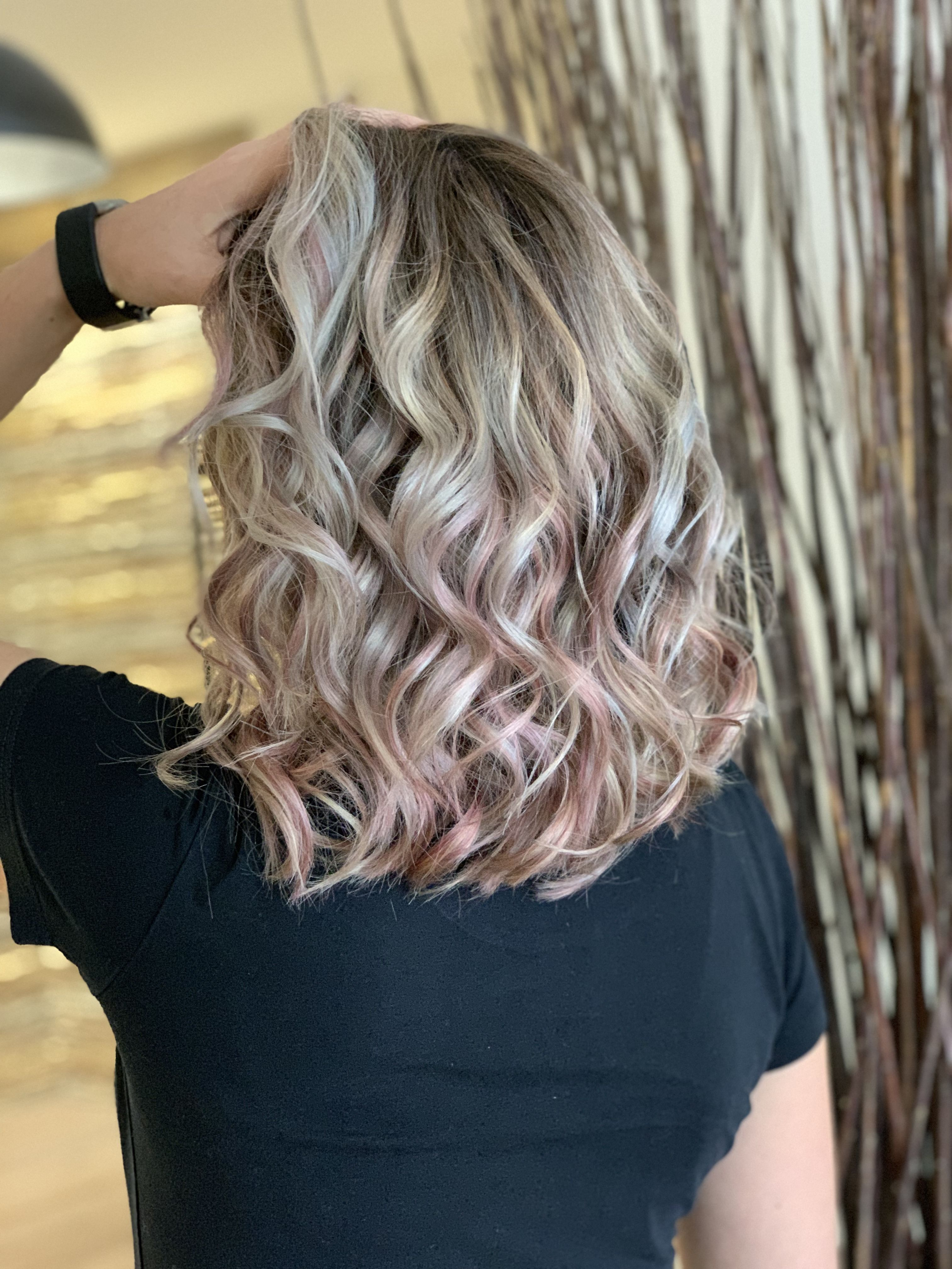 Balayage Hair Grey Grau Rosa Haare Locken Frisuren Haare Balayage Locken Machen