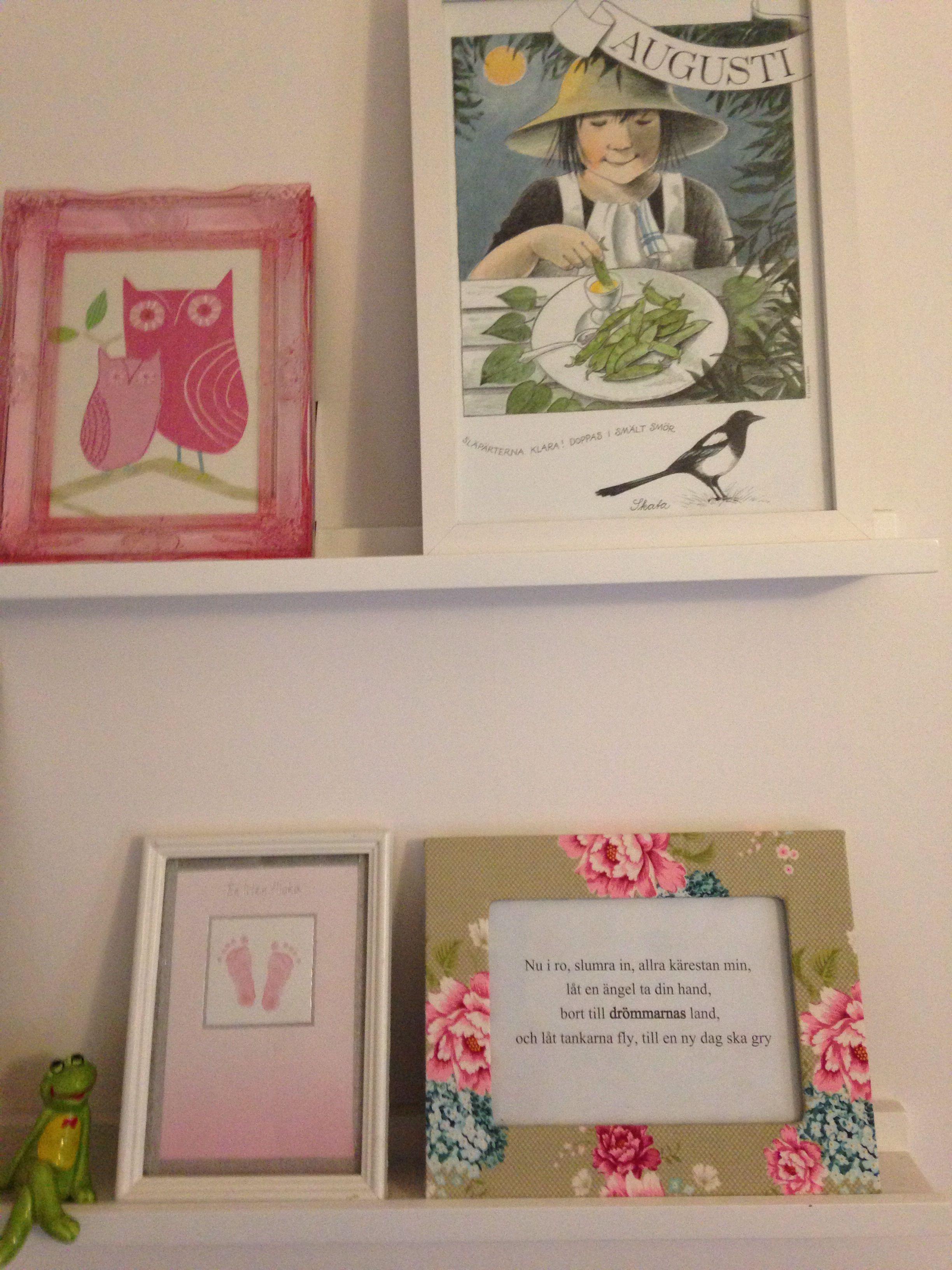 dikt födelsedagskort Tavlor på Ellas rum av hennes tapet, mina gamla bokmärken, fina  dikt födelsedagskort