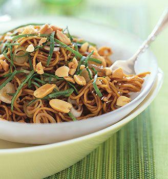 ▲ spicy sesame noodles w/ chopped peanuts & thai basil