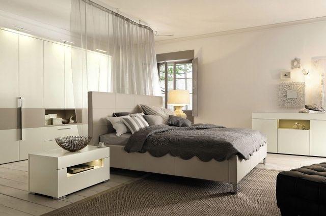 modernes schlafzimmer ecru möbel creme wandfarbe gardine ...