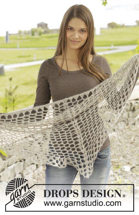 Virkad DROPS sjal i Brushed Alpaca Silk med hålmönster. Gratis mönster från  DROPS Design. 10c7116022e47