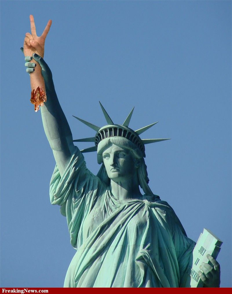 Statue Of Liverty Holding Peace Sign Hand Statue Of Liberty Statue Banana Picture