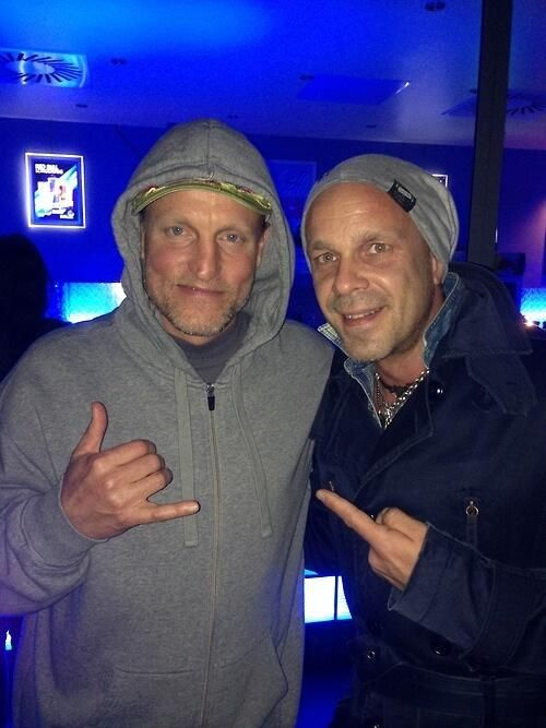 Woody Harrelson at Lorde concert the other night! He also gave Lorde a private tour of the Mockingjay set in Berlin. (: