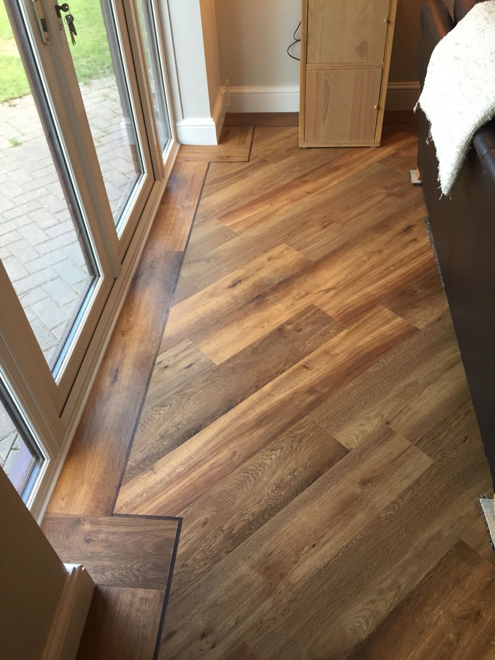Karndean flooring van gogh classic oak flooring laid for Wood floor 90 degree turn