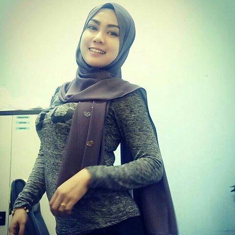 out dlum mlam minggu💋 #gadistop | Muslim women hijab, Arab ...