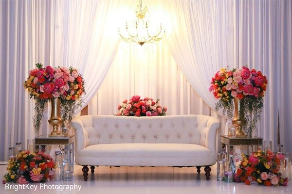 Elegant Indian wedding reception stage decoration. | Photo 232702