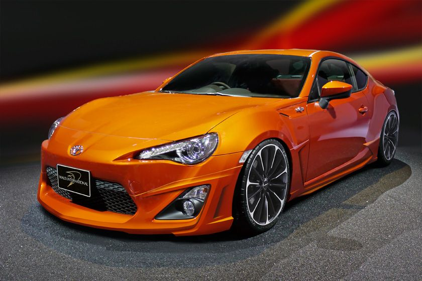 Toyota GT86 / Scion FR-S Falls into the Hands of Wald | Car Sport