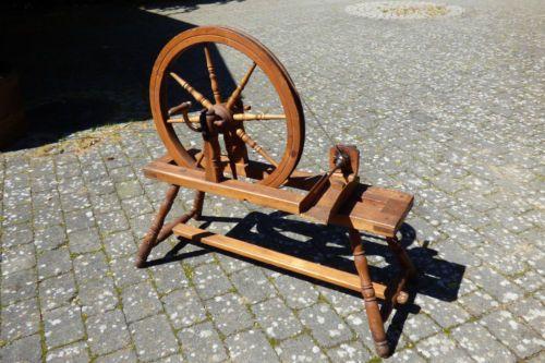 Altes-Spinnrad-Konvolut-3-Teile