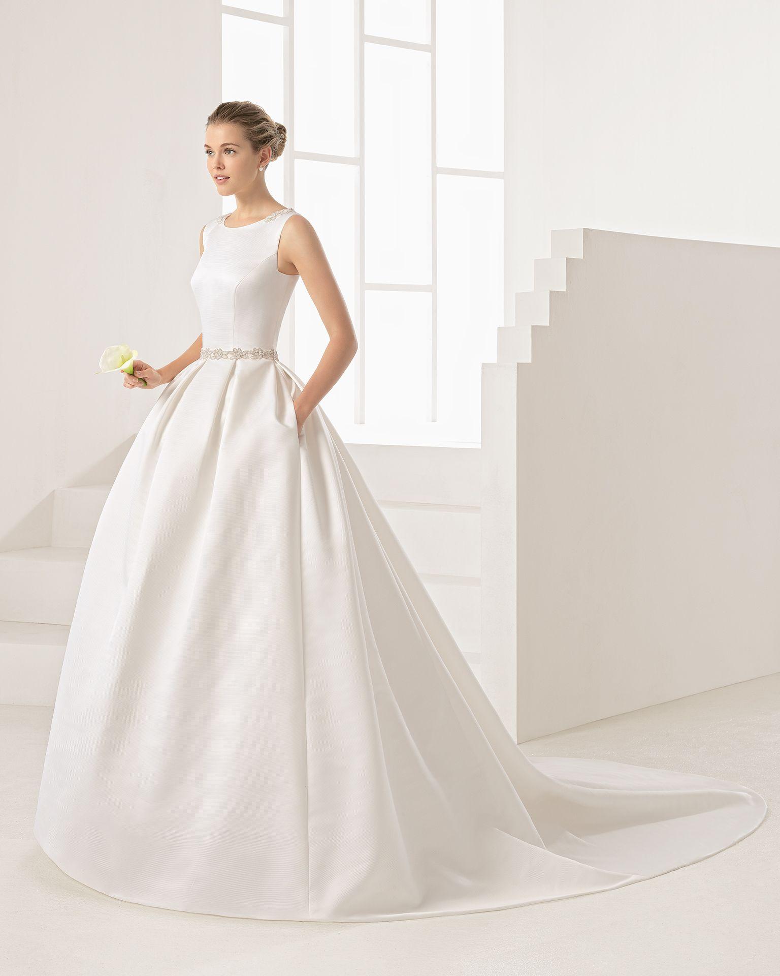ORBE - 2017 Bridal Collection. Rosa Clará Two.   Hochzeitskleider
