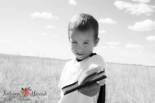 #coloradophotographer #coloradosprings #childrensphotography #knights #imagination #littledreamers  www.kalmondphotography.com