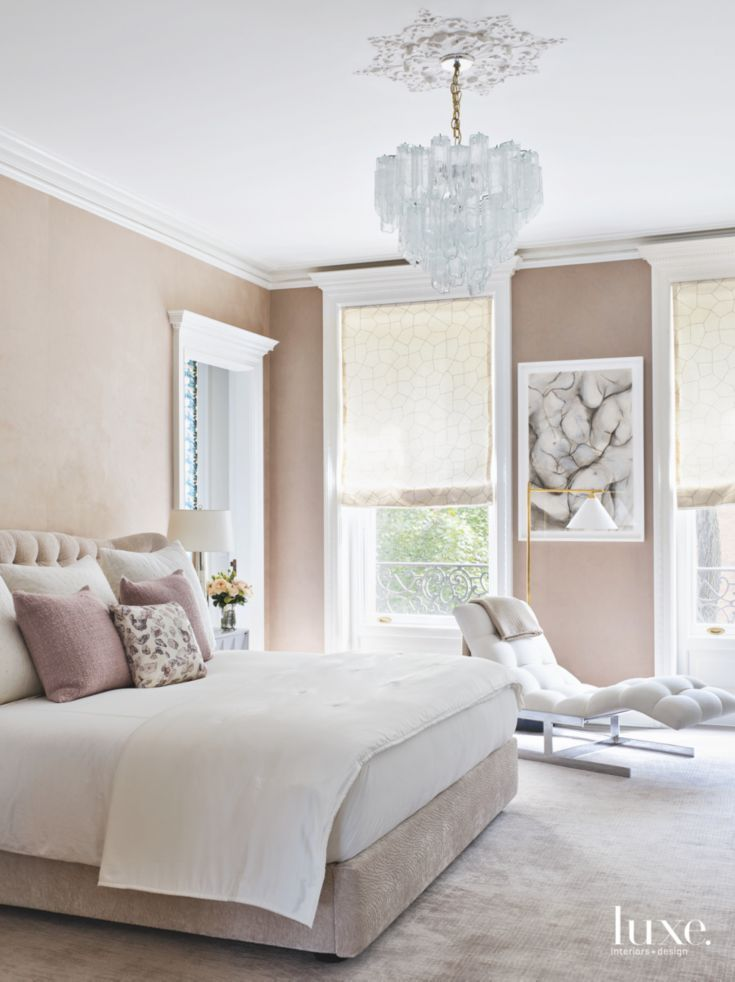 Best Beige Wall Master Bedroom With Doily Glass Chandelier And 640 x 480
