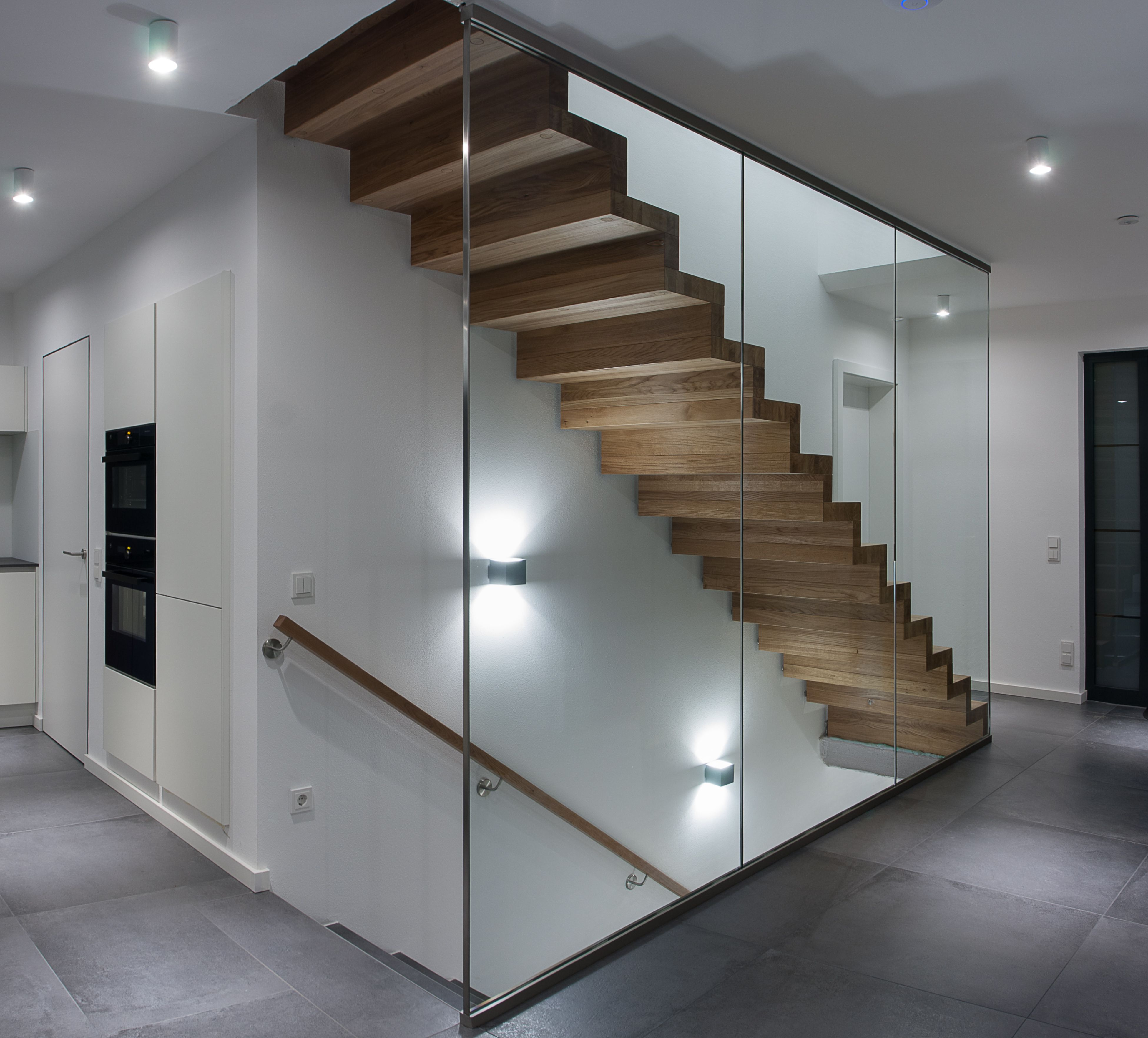 Frey,Treppe, Faltwerk, Holz, Glas, Beleuchtung, Wandhandlauf, Küche