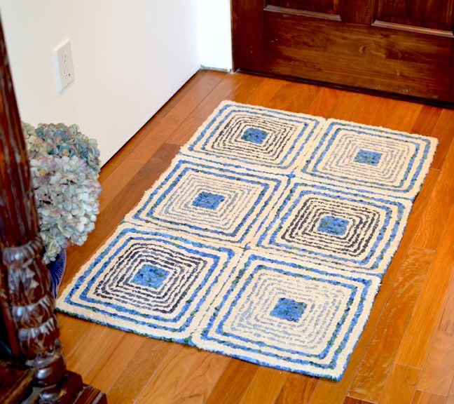 Spirals Squares Rug Locker Hooked On 3.75 Mesh Canvas With
