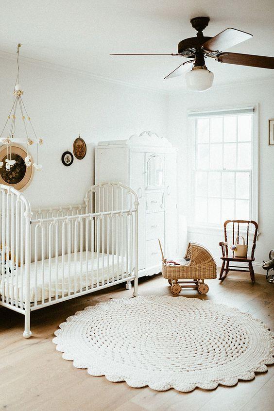 Habitaciones blancas para bebés   Habitacion bebe niña, Habitaciones ...