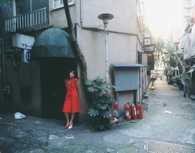Nobuyoshi Araki - Les femmes, les fleurs, le bondage et le quotidien