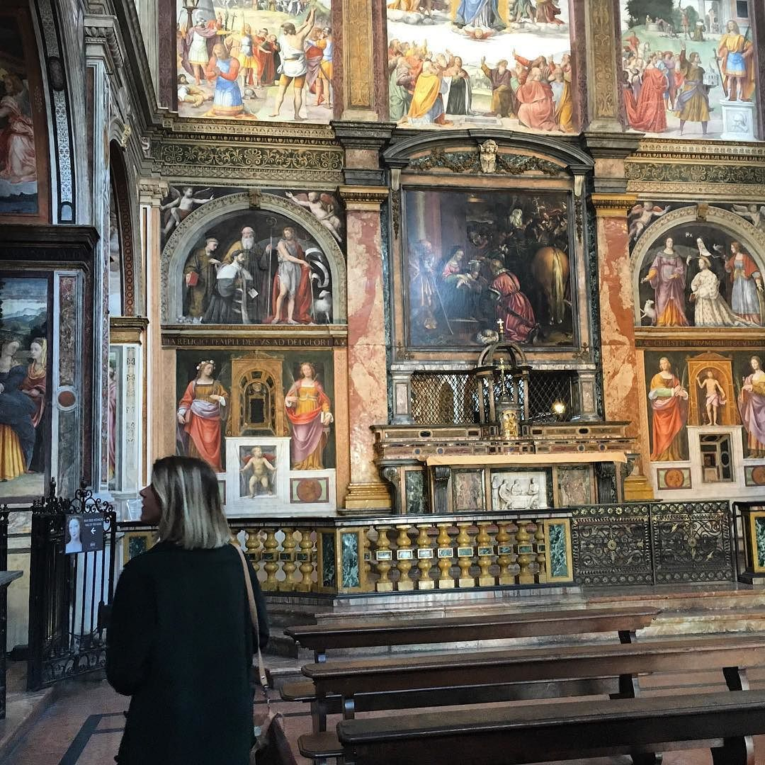 Bellezze nascoste in quel di Milano. #chiesa #sanmaurizio #corsomagenta #milanodavedere by vannipaul