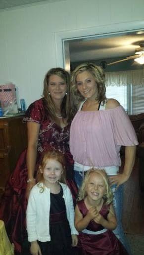 Bride&daughter&flower girls