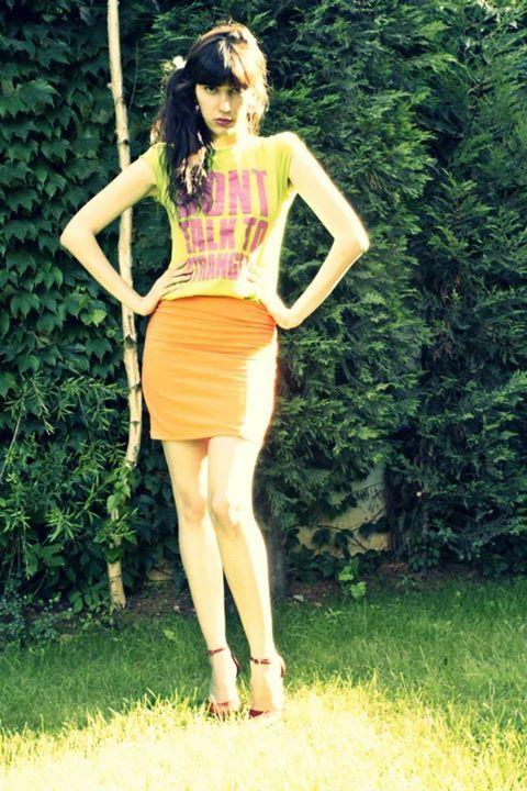 Today i'm in orange & green :)   Styling : Tugce Seckin