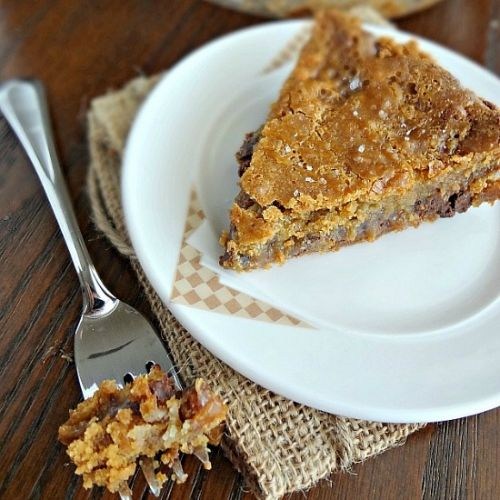 Salted Caramel Chocolate Chip Cookie Pie-rich &...