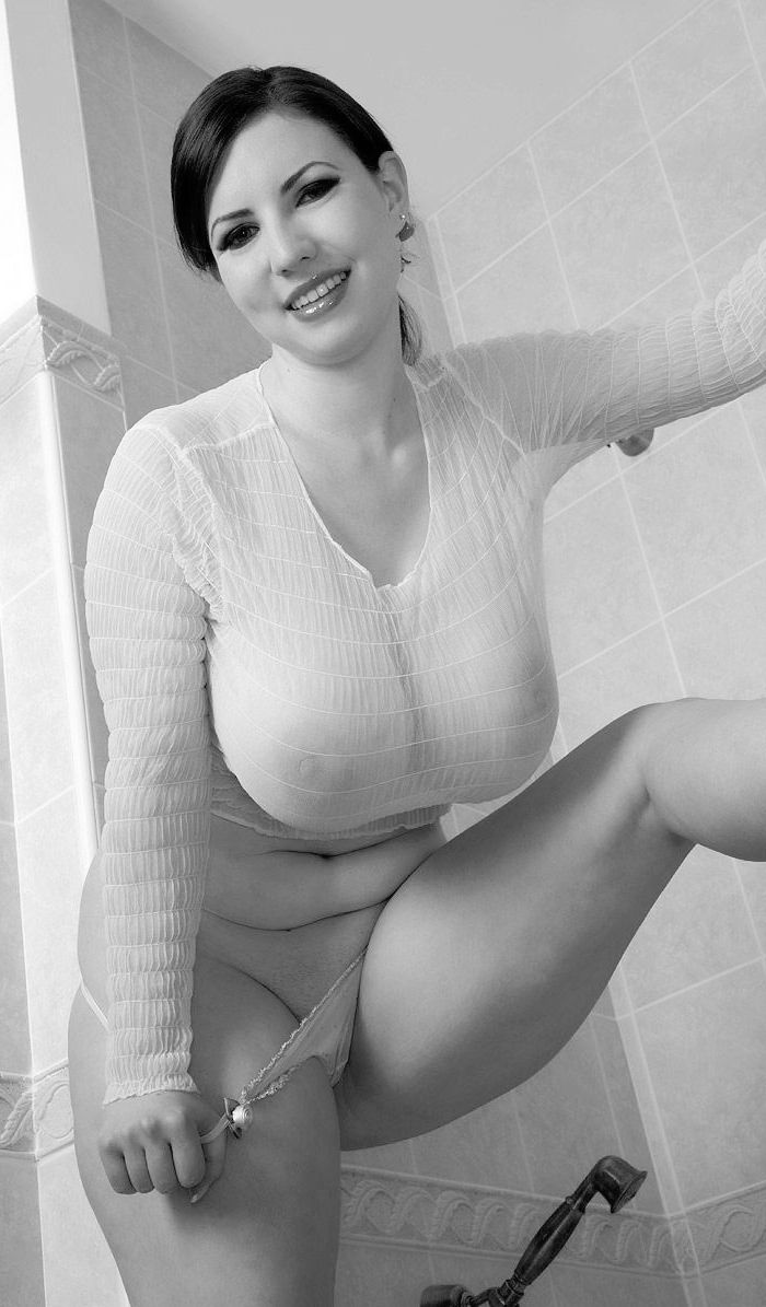 Naked busty voluptuous full figured women precisely know
