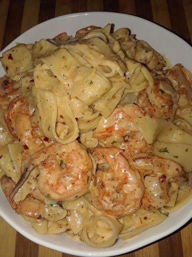Creamy Shrimp Fettuccine Pasta with Homemade Alfre