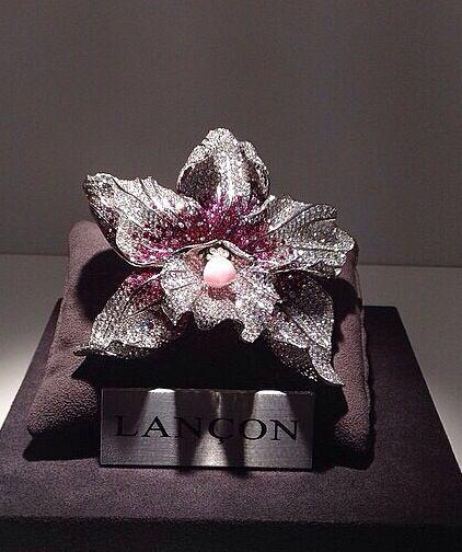 Lançon diamond brooch orchid