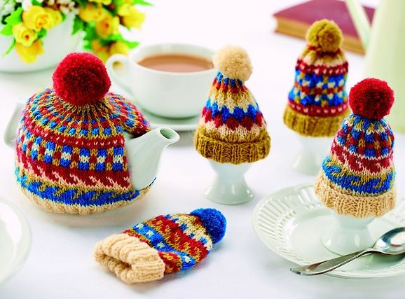 Traditional Tea And Egg Cosy Set With Pom Poms Free Knitting