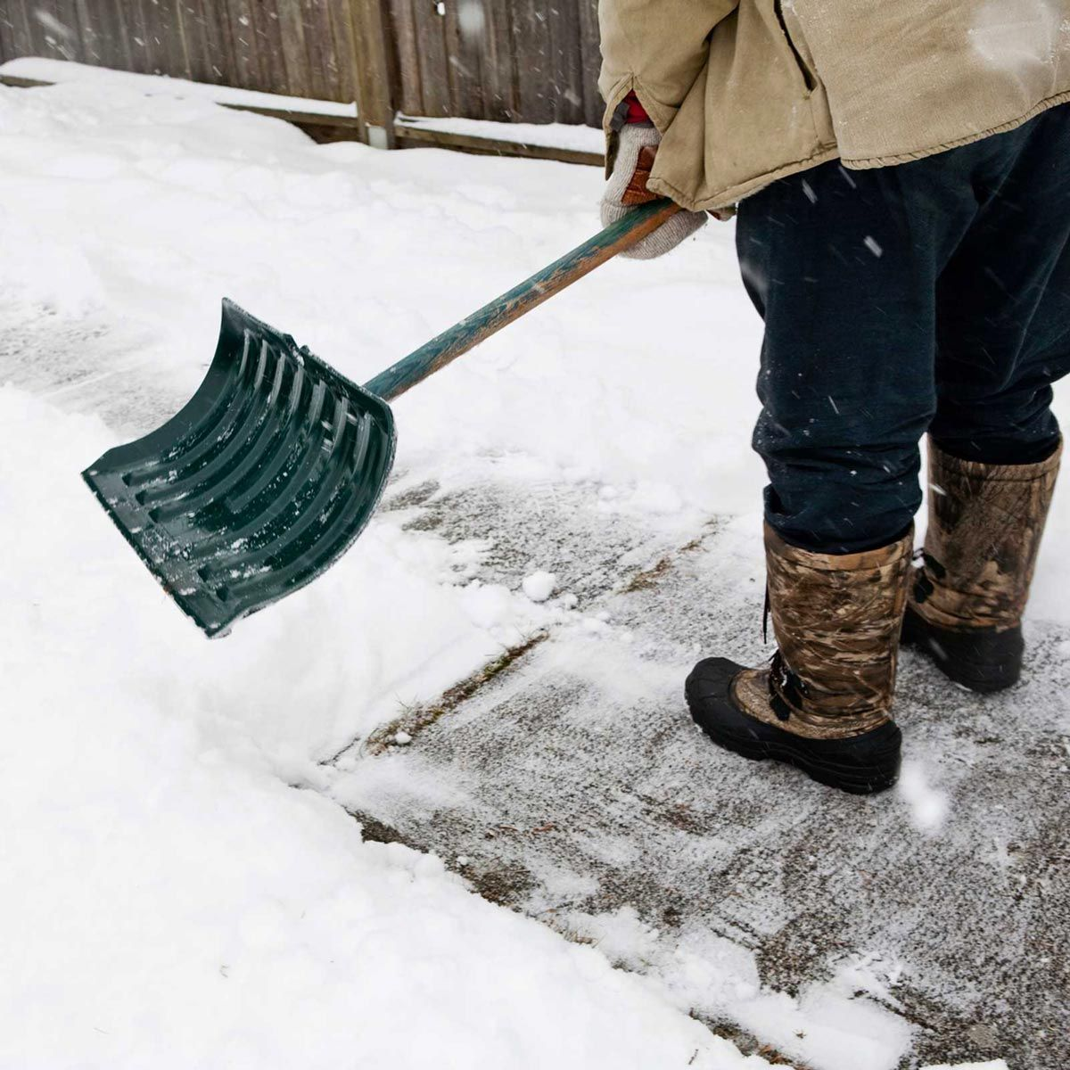 tips to avoid a heart attack when shoveling snow this winter
