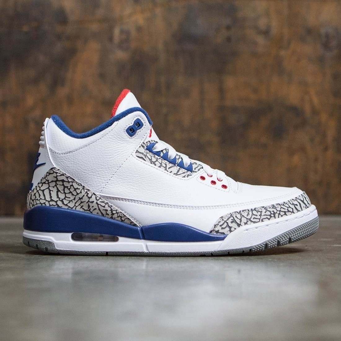 4e0faa81d30c Jordan Men Air Jordan III Retro True Blue OG (white   fire red-true  blue-cement grey)