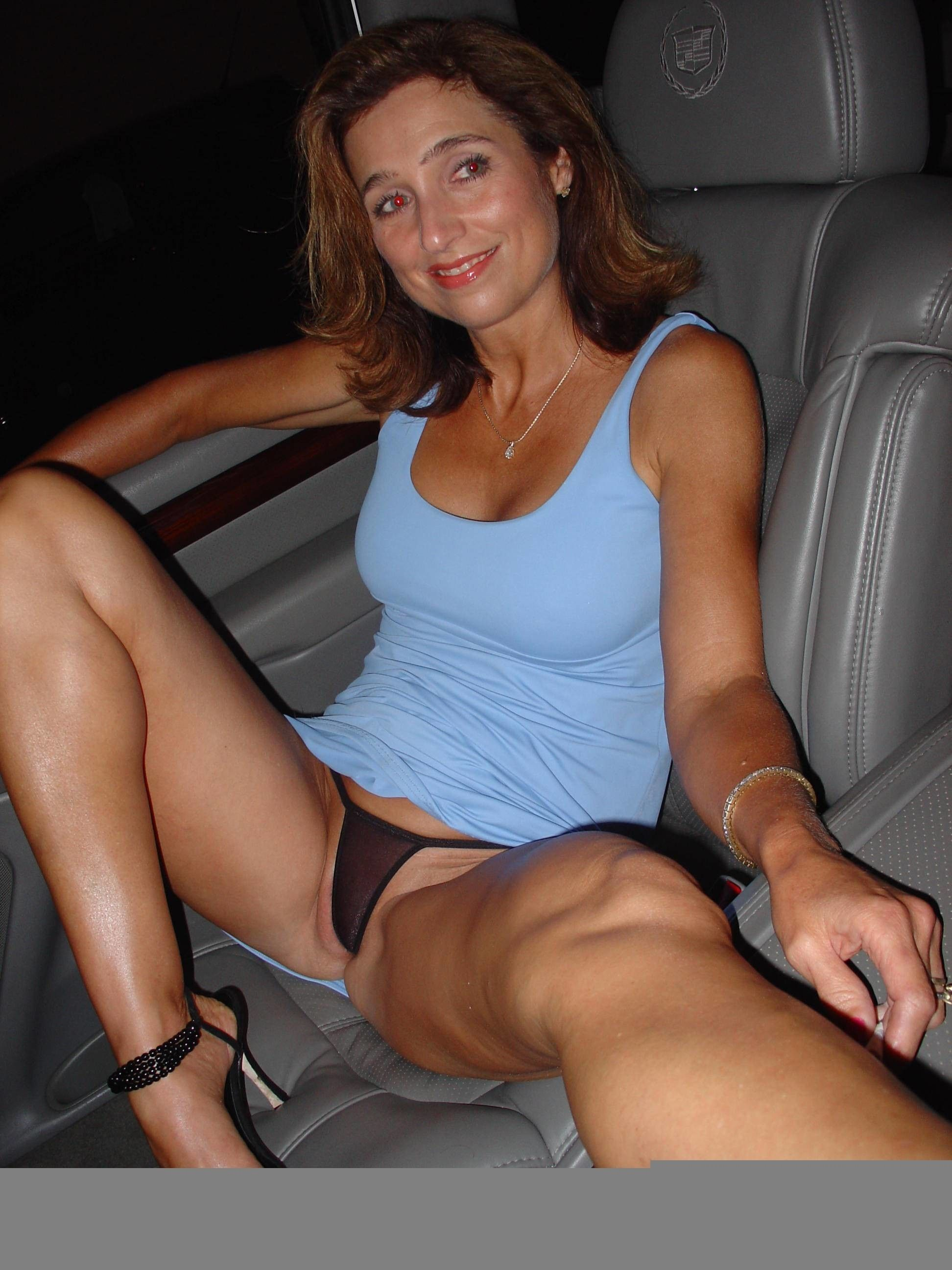 Mature milf upskirt (black panties)