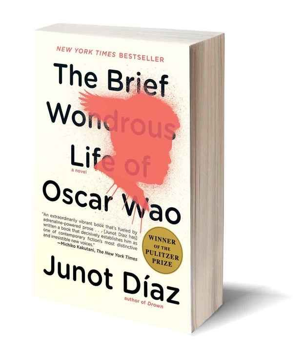The Brief Wondrous Life of Oscar Wao by Junot Díaz Books
