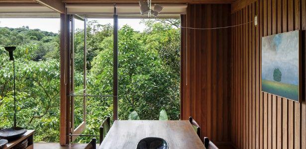 Em meio à mata, vila reúne casas em madeira sustentável