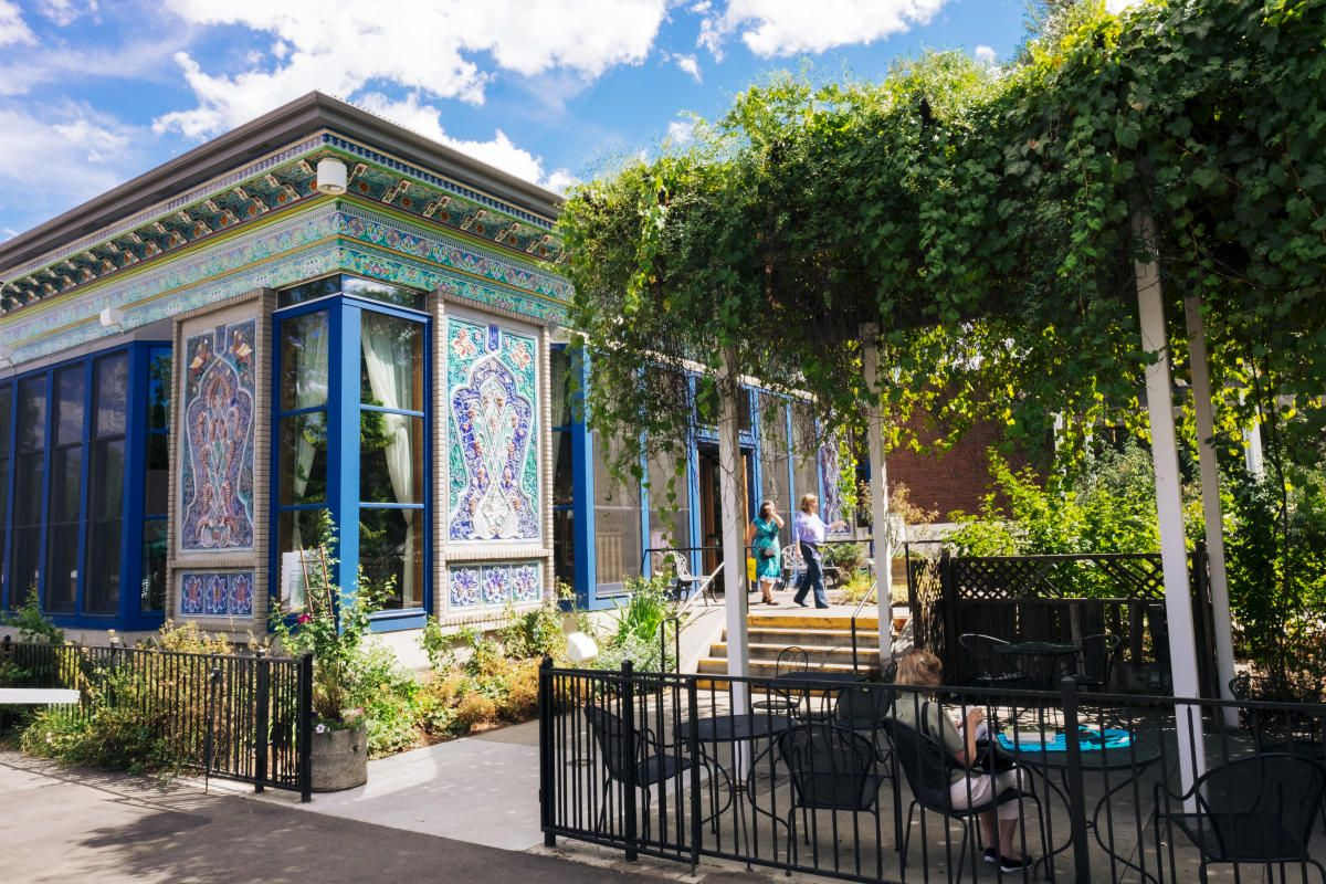The Boulder Dushanbe Teahouse Is One Of The City S Top Attractions This Intricately Constructed Persian Teahouse Was A Gift From Bouldering Tea House Dushanbe