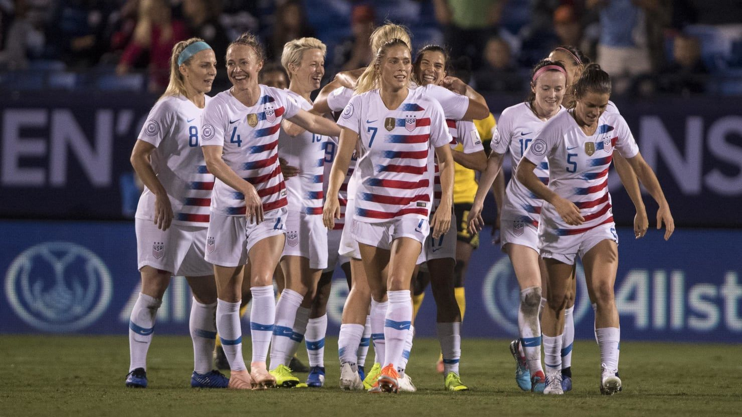 U S Women S Soccer Team Clinches 2019 World Cup Berth Women S Soccer Team Womens Soccer Soccer Team