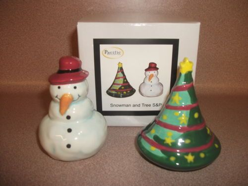 SALT AND PEPPER SHAKERS. CHRISTMAS THEME-SNOWMAN AND CHRISTMAS TREE. NEW IN BOX