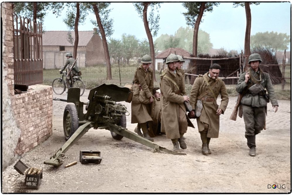 Captured french soldiers of the 158eme regiment d - French div 2 ...