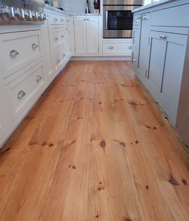 Plancher De Pin Rouge Bois Massif 3 4 D Epais Embouvete Pine Floors Flooring Wood Floors Wide Plank