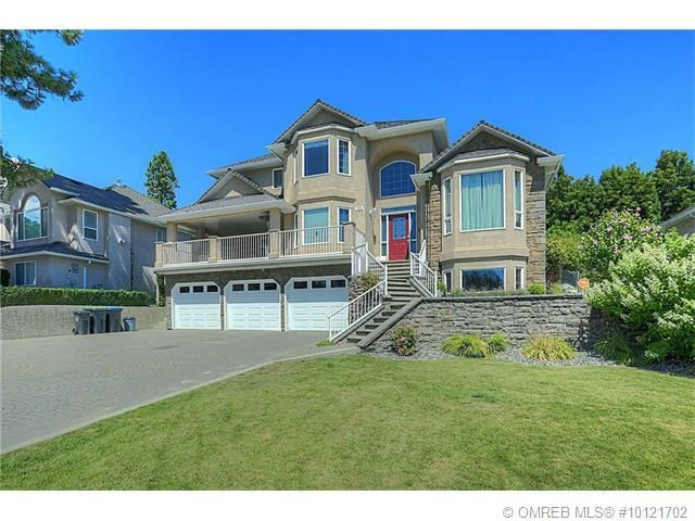 Fantastic Glenmore home with triple car garage, great yard, and five bedrooms! This central location is close to elementary schools, hiking trails, parks, and less then 10 minutes to down town and beaches. Main floor features a formal dining room and living room with vaulted ceilings and gleaming hardwood.