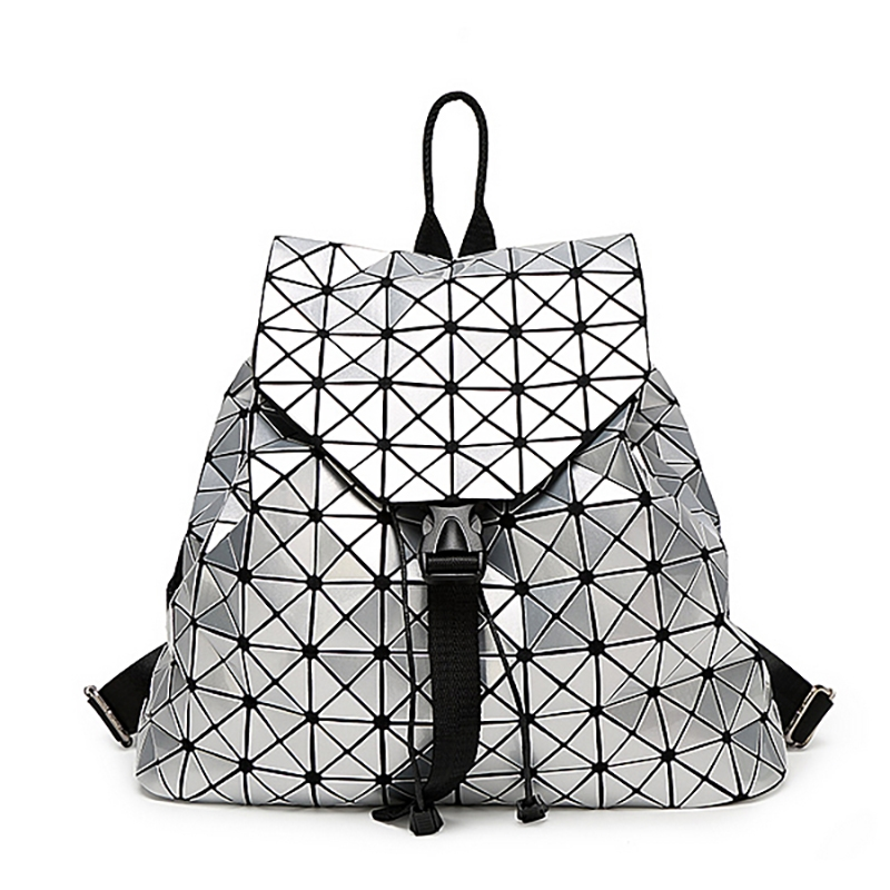 92.00$  Watch here - http://alisre.worldwells.pw/go.php?t=32706813599 - QISU 2016 BaoBao backpack female Fashion Girl Daily backpack Geometry Package Sequins Folding Bags school bags