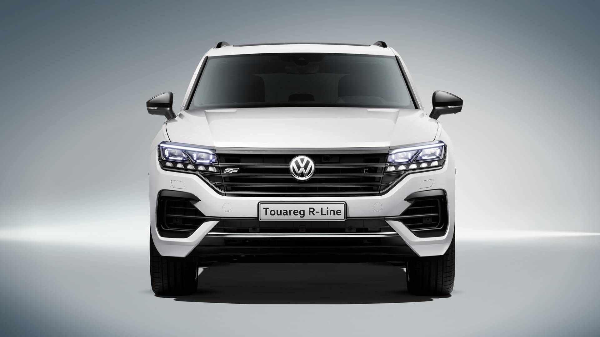 2020 Volkswagen Touareg Photos