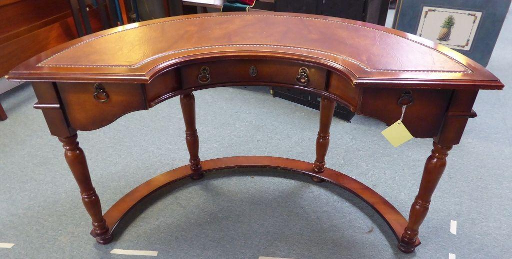 Half Round Desk Pulaski Furniture Company Booth 62 225 00 Pulaski Furniture Round Desk Furniture Companies