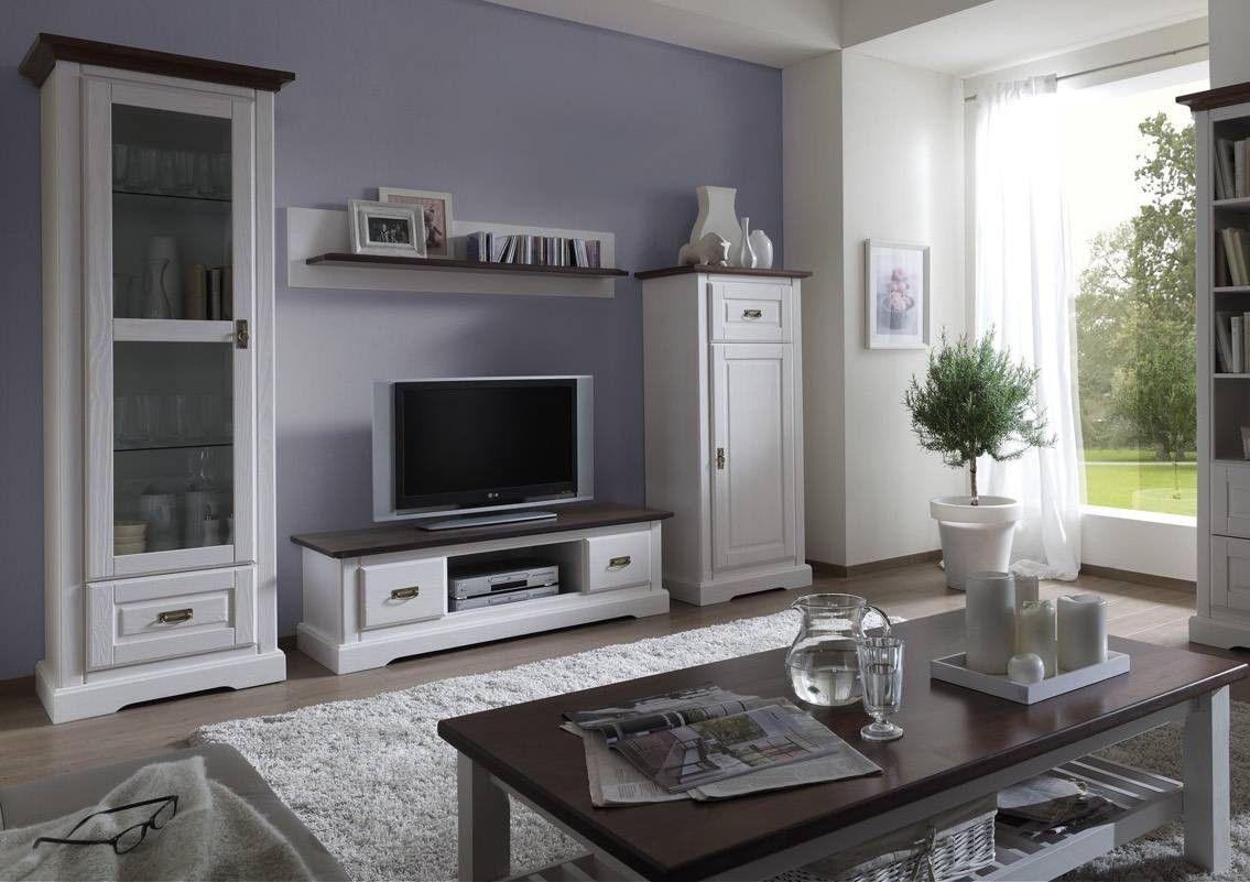 landhausstil wohnzimmer streifenteppich rustikaler tisch kamin, Wohnzimmer dekoo